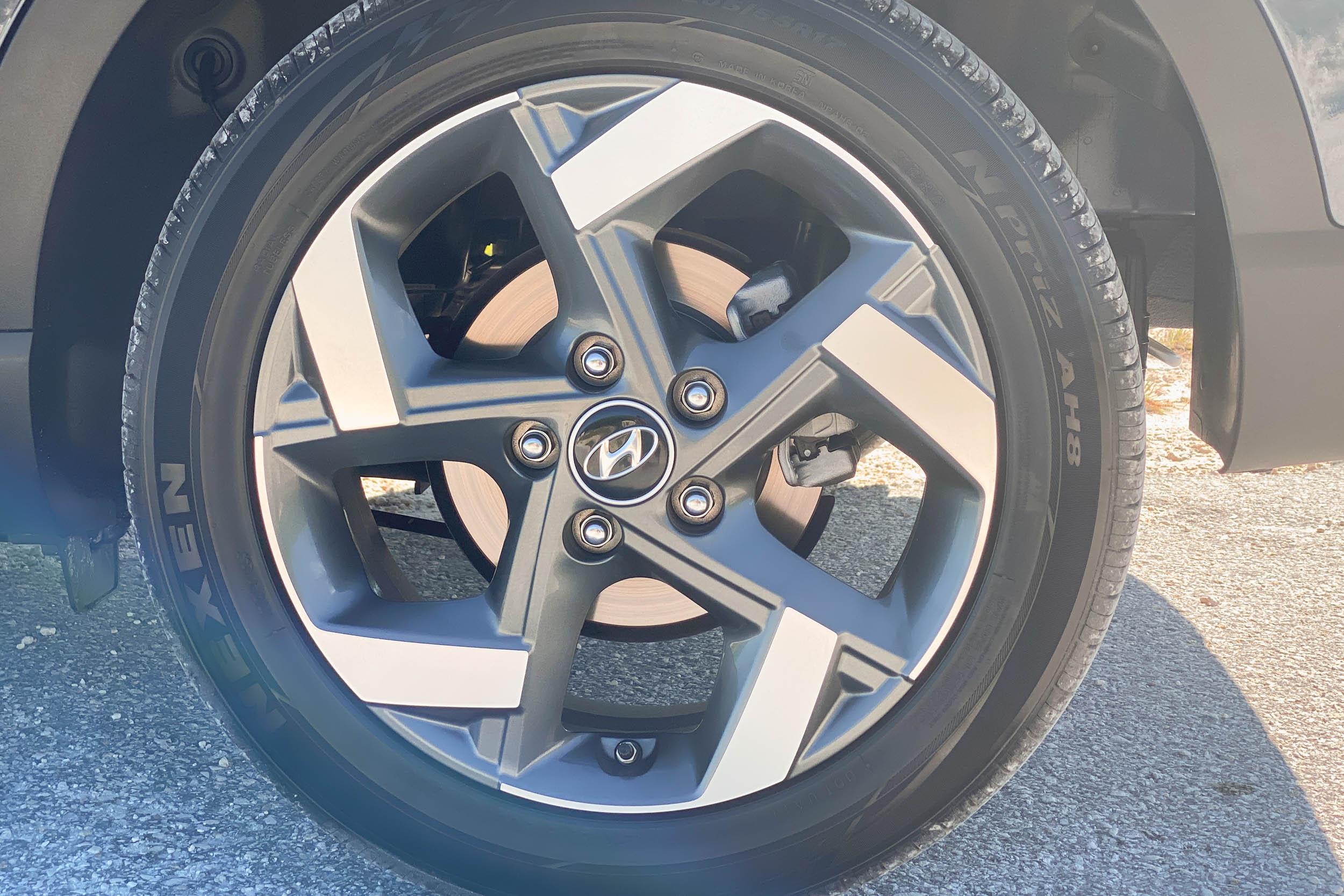 Hyundai Wheel Details