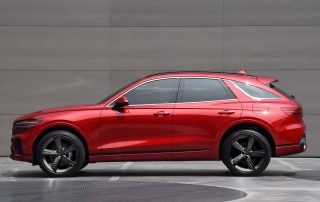 GENESIS PREVIEWS SECOND SUV: ATHLETIC AND DYNAMIC GV70